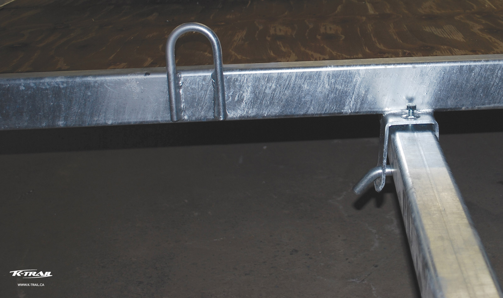 6 Sturdy anchors (2 on each side and 2 in the front)